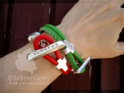 Formentera. Pulsera de Cuero rojo y Cruz