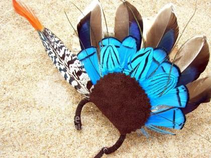 Montana. Ear Cuff  con plumas de Pato azul