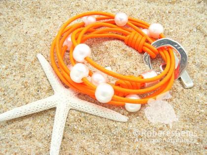 Pulsera Los Caños Perlas. Naranja flúor