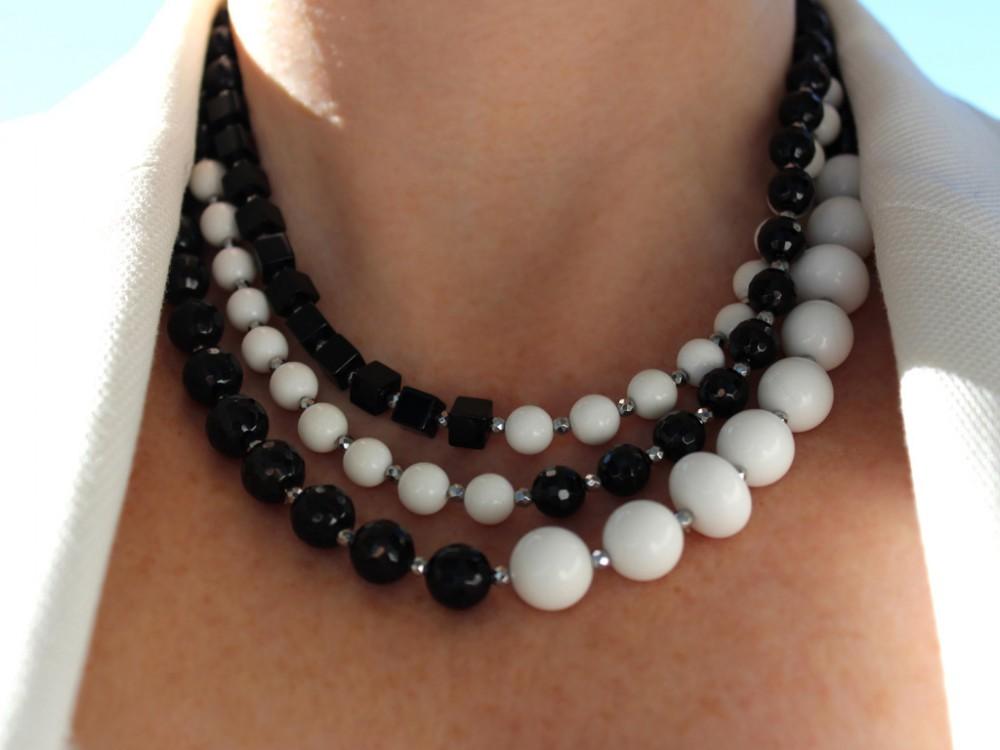 ee037ff9ef5e Collar de Ónix y Ágata blanca ...