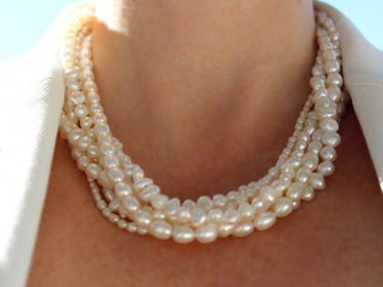 Amorgos. Collar de Perlas y Plata de Varias Vueltas