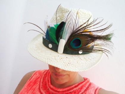 Apalaches. Sombrero Borsalino de paja con Plumas verdes