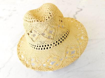 Apalaches. Sombrero Indiana calado con Plumas