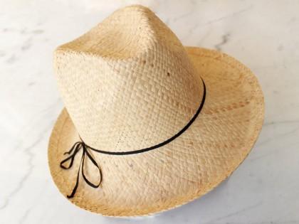 Apalaches. Sombrero Indiana con Plumas azules