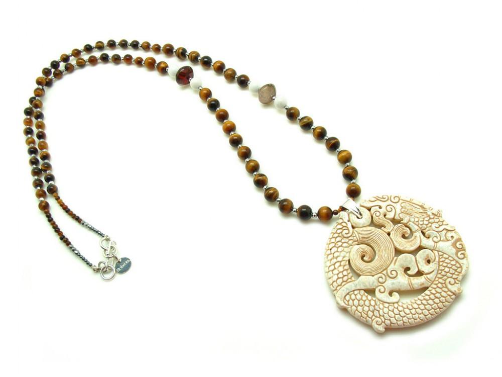 2fdfaf054b1b Collar largo con medallon de jade