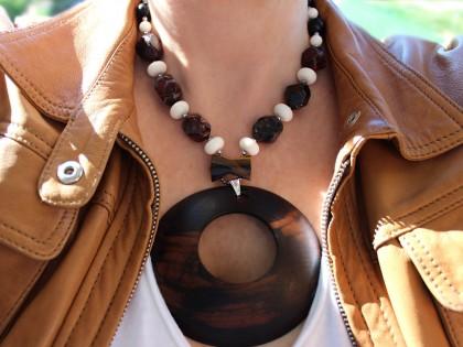 Serengueti. Collar de Ébano, Ojo de tigre y Coral blanco