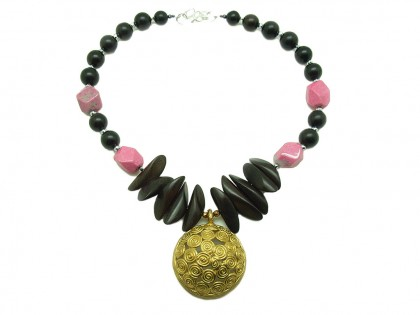 Serengueti. Collar de Rodonita, Ébano y Bronce