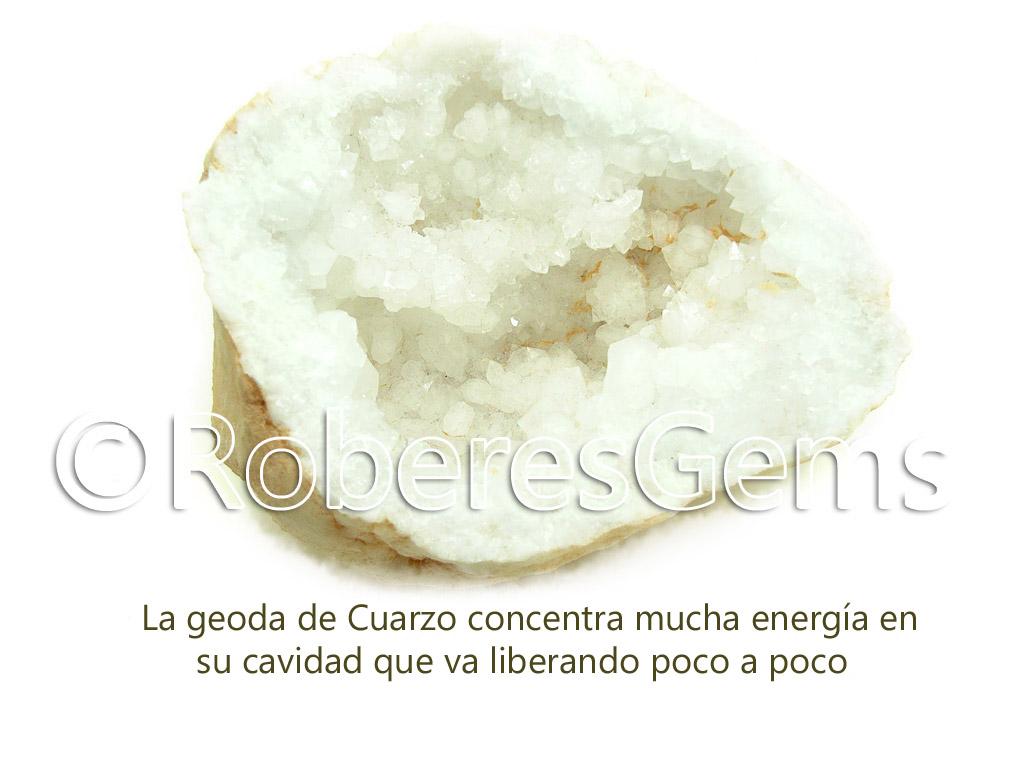 La geoda de Cuarzo concentra mucha energía en su cavidad