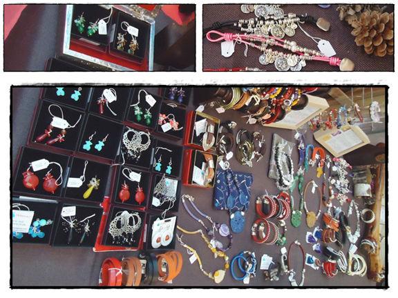 Stand RoberesGems - Pendientes con gemas y plata de ley